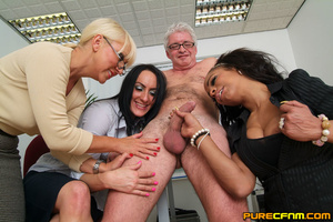 Cocksucked by three lovely hot mommas - Picture 11