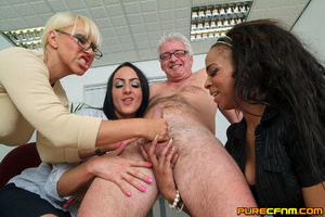 Cocksucked by three lovely hot mommas - Picture 12