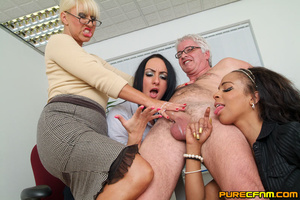 Cocksucked by three lovely hot mommas - Picture 15