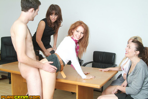 Live sex lessons for a young sexy lady - XXX Dessert - Picture 12