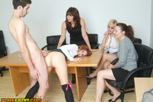 Live sex lessons for a young sexy lady - XXX Dessert - Picture 15