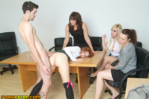 Live sex lessons for a young sexy lady - XXX Dessert - Picture 16