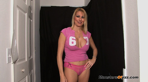 Lady in pink doing the art of cocksuckin - XXX Dessert - Picture 9