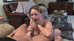 Hot sexy momma giving a peeping tom an u - XXX Dessert - Picture 2