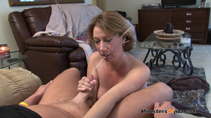 Hot sexy momma giving a peeping tom an u - XXX Dessert - Picture 3