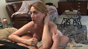 Hot sexy momma giving a peeping tom an u - XXX Dessert - Picture 8