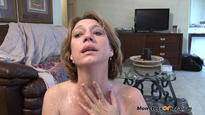 Hot sexy momma giving a peeping tom an u - XXX Dessert - Picture 14