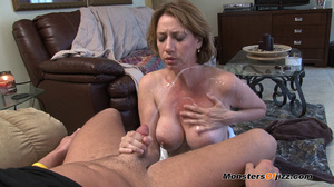 Hot sexy momma giving a peeping tom an u - XXX Dessert - Picture 16