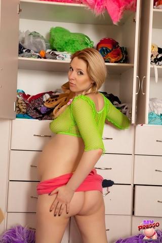 pregnant girl top miniskirt