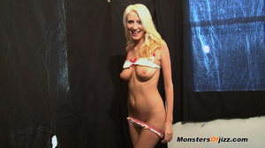 Blondie enjoying a mysterious cocksuckin - XXX Dessert - Picture 3