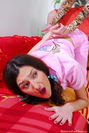 hot mom spanks pinky