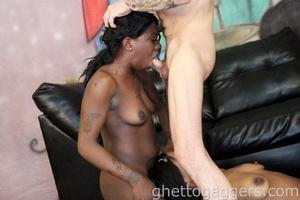 Black beauties on a threesome blowjob and hard sex - XXXonXXX - Pic 5
