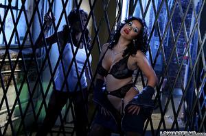 Hot sexy full figured babes undress - XXX Dessert - Picture 7