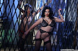 Hot sexy full figured babes undress - XXX Dessert - Picture 14