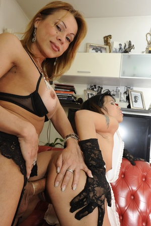 Shemale fucks babe in ass after getting  - XXX Dessert - Picture 10