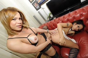 Shemale fucks babe in ass after getting  - XXX Dessert - Picture 12