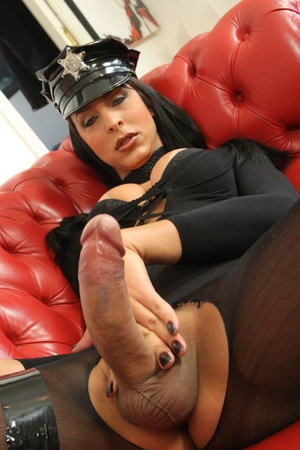 Stud cums on tranny after getting ass wa - XXX Dessert - Picture 4