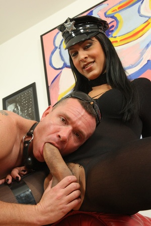 Stud cums on tranny after getting ass wa - XXX Dessert - Picture 7