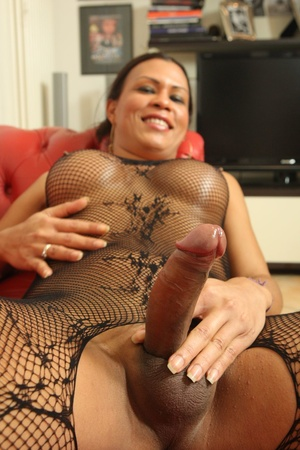 Dark skinned shemale sucks dick and fuck - XXX Dessert - Picture 5