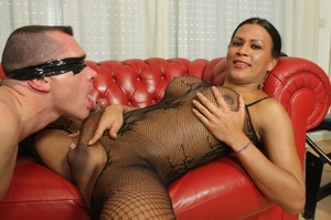 Dark skinned shemale sucks dick and fuck - XXX Dessert - Picture 9
