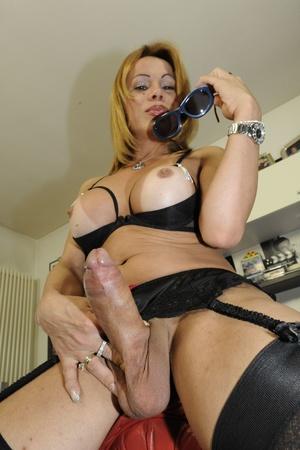 Asian babe sucks tranny cock on her knee - XXX Dessert - Picture 2