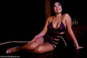 Bodacious Asian mom assdrilled badly by  - XXX Dessert - Picture 1