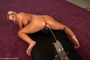 Busy blonde enjoys banging with a sybian - XXX Dessert - Picture 7