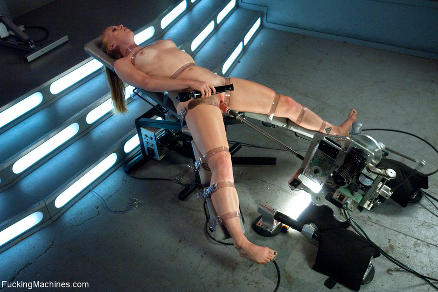 Ponytailed chick roped to a fucking machine - XXX Dessert - Picture 6
