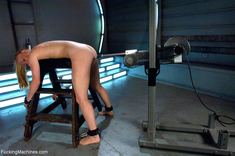 Ponytailed chick roped to a fucking machine - XXX Dessert - Picture 7