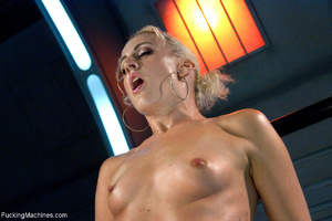 Blonde whore gets her holes screwed with - Picture 9