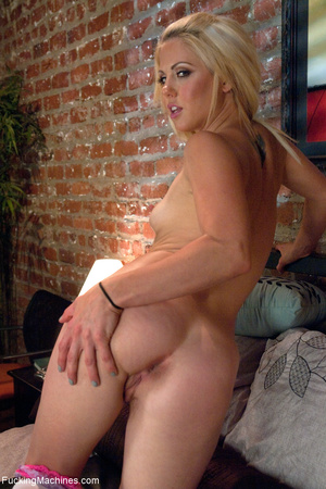 Blonde bitch assbanged badly by a sybian - XXX Dessert - Picture 1