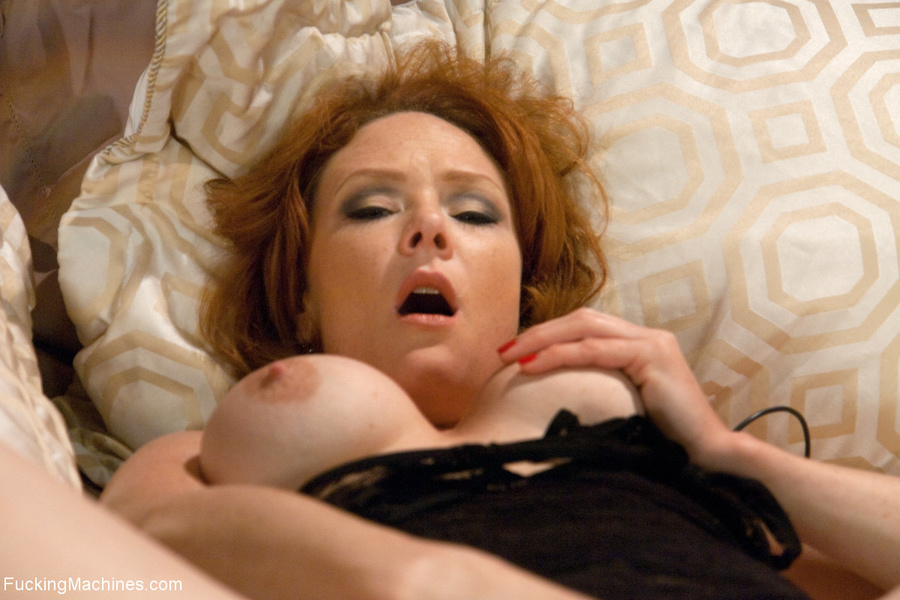 Red MILF gets all her holes plugged with fu - XXX Dessert - Picture 2