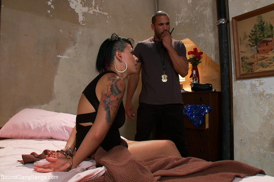 Hidden camera with nude girl at sri lanka