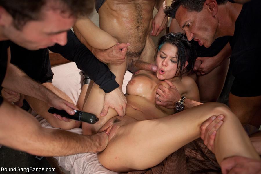 порно групповое изврат в ухо некоторое время