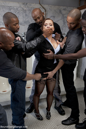 Black dude enjoy jeering and fucking red - XXX Dessert - Picture 3