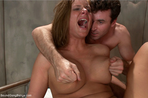 Bootylicious chick with big juggs scream - XXX Dessert - Picture 9