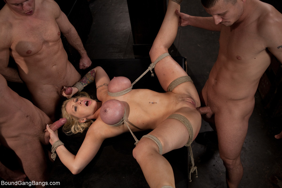 Amateur homemade ffm threesome