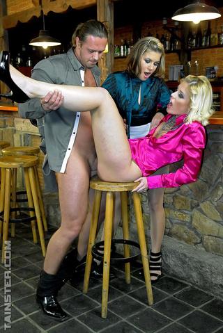 drunk girls invite bar