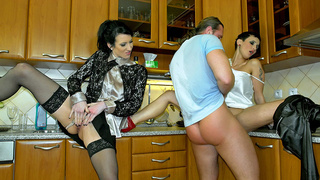hot threesome kitchen bother