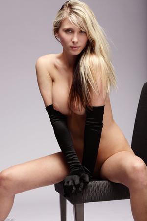 Naked blonde posing in long gloves - XXX Dessert - Picture 4