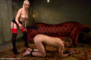 Hot blonde enjoys playing hard with youn - XXX Dessert - Picture 8