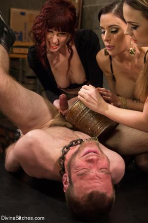 Three horny babes enjoys pounding up han - XXX Dessert - Picture 6