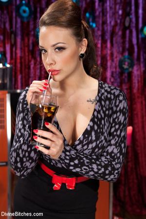 Hot mature woman gets some rocking fuck  - XXX Dessert - Picture 1