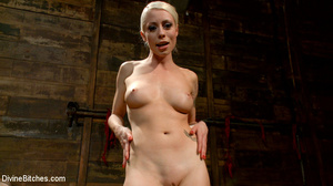 Sexy and horny blonde bitch loved stript - XXX Dessert - Picture 9