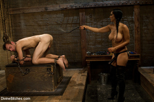 Hot and sexy fierce fatale lady enjoys t - XXX Dessert - Picture 5