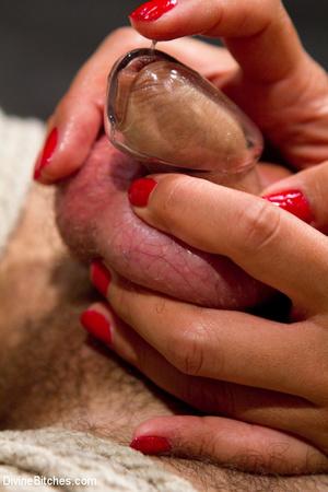Hot man enjoys foot worship dick been tr - XXX Dessert - Picture 15