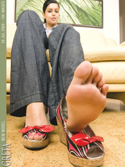 astonishing soles and toes