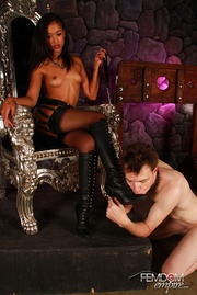 sexy ebony queen throne