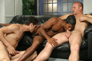Gay dude gave in to infidelity and to tw - XXX Dessert - Picture 6