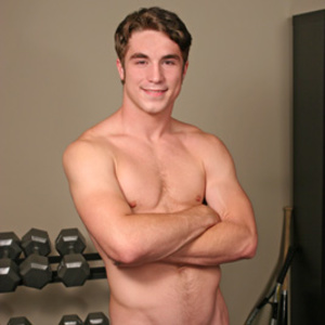 This beefy man hold the face of a fellow - XXX Dessert - Picture 4